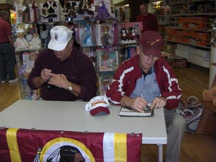 Nov. 3, 2007: Olsen's Collectibles, Martinsburg, W.V