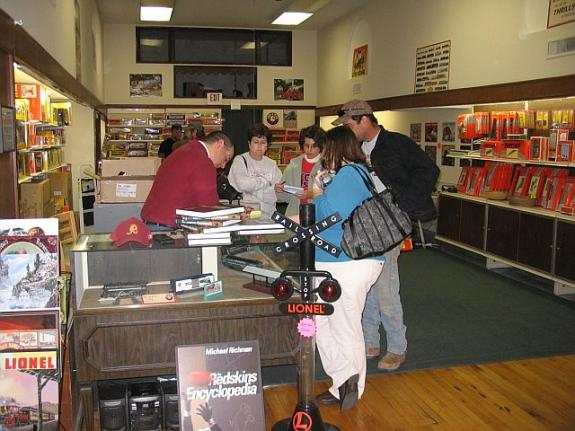 Nov. 3, 2007: Olsen's Collectibles, Martinsburg, W.V.